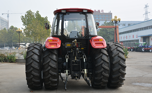 LZ-1804- Tractor